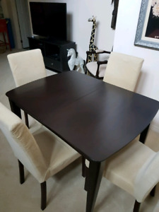Wood Table Built In Leaf With 4 Chairs
