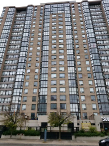 VERY BEAUTIFUL 2 BED 2 F/WASH RM CONDO FOR RENT SQUARE ONE AREA