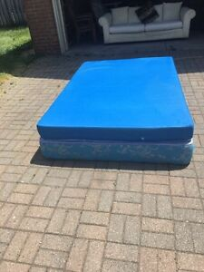 Double Size Mattress And Box Spring