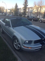 2005 Ford mustang convertible REDUCED