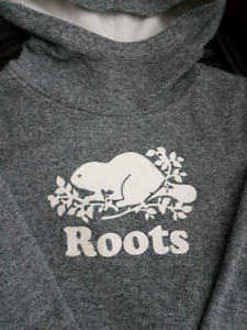 YOUTH ROOTS HOODIE