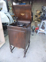 Antique Victor Gramophone Phonograph Runs Like A Top!