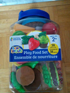 NEW: Learning Resources New Sprouts 38 piece Play Food Set