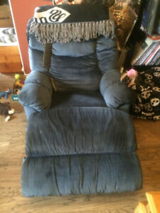 Blue recliner, great condition