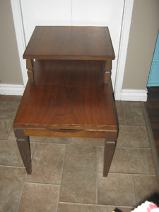 Solid wood end table - EUC - $25