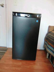 Refregerateur danby a vendre