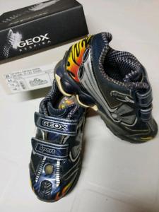 Geox Respira B Vita J boys shoes size 9