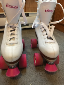 Chicago Women's Rink Skate (Size 7)