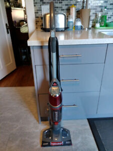Bissell Powerful One -Step Vacuum and Steam Mop