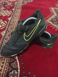NIKE CAMO INDOOR SOCCER SHOES