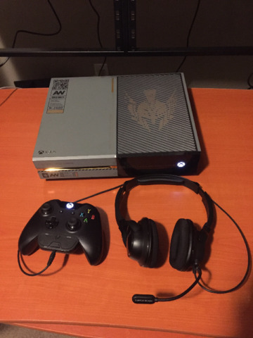 Xbox One 1TB *special edition* 50 games, Turtle Beach Headset