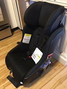 Selling two Clekk Fllo car seats