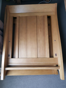 Boori King Parrot Cot and Change Table/Chest Of Drawers