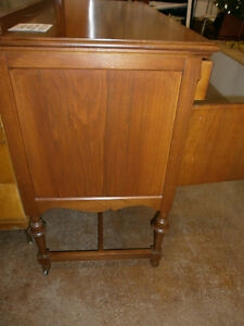 Buffet Hutch with Mirror - Goderich ReStore London Ontario image 3