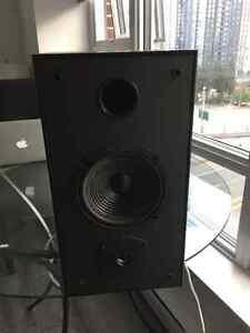 Yamaha RX-V395 w/ 2 JL Audio bookshelf speakers Downtown-West End Greater Vancouver Area image 3
