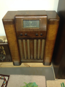T Eaton Viking Radio