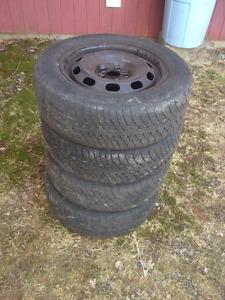 195x65x15 tires on rims, 5 bolt patten