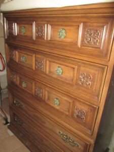 CLASSIC & CLEAN!! Gorgeous GIBBARD Dresser In Great Condition