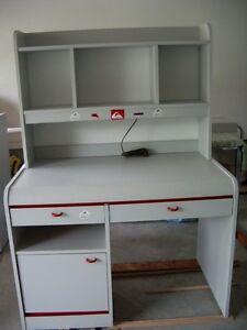 7 Piece Children / Juvenile Bedroom Ensemble Furniture Set