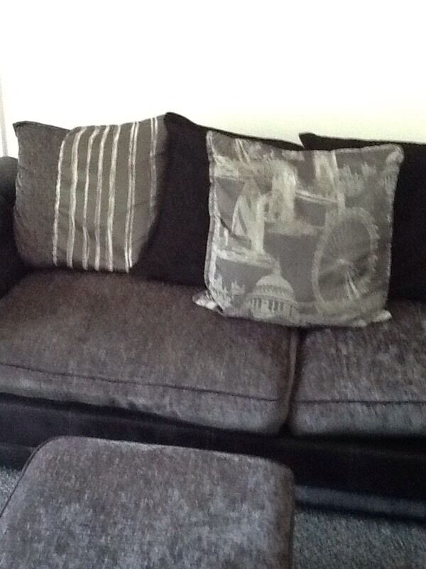large family size sofa in plymouth devon gumtree. Black Bedroom Furniture Sets. Home Design Ideas