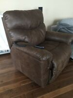 New condition lazyboy powerlift chair recliner- west kelowna