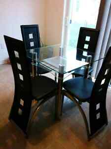 Small Dining set Oakville / Halton Region Toronto (GTA) image 6