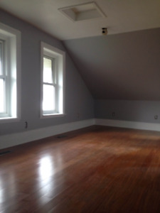 Smiths Falls - Large 1 Bedroom Apartment