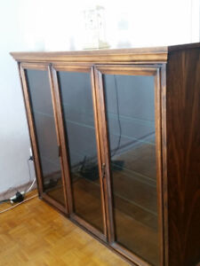 Buffet Table/Sideboards/Hutch! Wooden! Beautiful - MUST SEE!