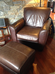 Oversized calf skin leather easy chair