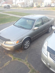 98' Toyota Camry (parting out)