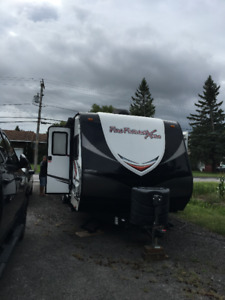 roulotte toy hauler fun finder xtra 276 année 2014
