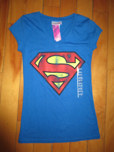 SuperGirl Superman Girls Womens T-Shirt XS - NWT
