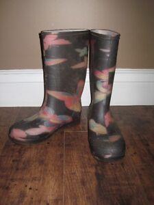 Size 3 girls rain boots