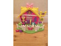 Minnie Mouse horse stable play set
