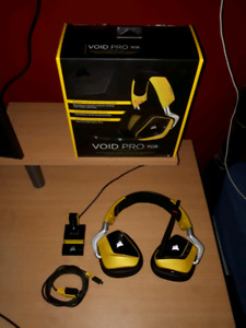 Corsair Void Pro RGB Dolby 7.1 Surround Wireless Gaming Headset