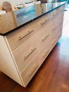 Granite KITCHEN ISLAND - $1200 FIRM