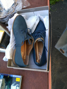 Men's brand new dress shoes paid $150 will take$75 5197554400