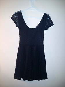 Women's sz Small dresses & tops - Forever 21, Garage, Lululemon