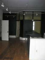 Commercial unit with character for rent