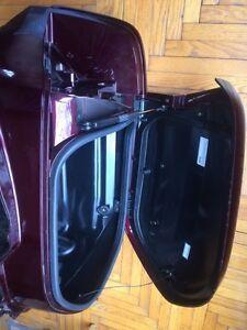 2001 - 2010 Honda Goldwing GL1800 LEFT  Saddlebag Regina Regina Area image 3