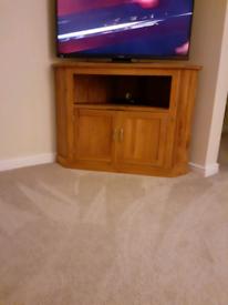 Oakfurniture house corner tv cabinet. £100