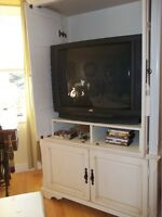 LARGE ENTERTAINMENT CENTRE--MAKE AN OFFER
