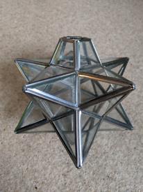 Star shaped glass lightshade