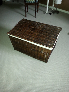 Wicker container