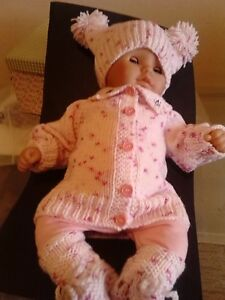 Beautiful Handknitted Babyset