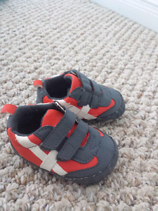 Carter's 3-6 months shoes