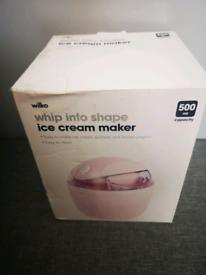 Ice cream maker - Brand new