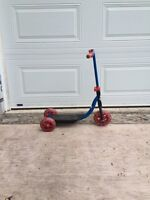 Child's 3 wheel scooter
