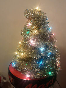 MINI GARLAND CHRISTMAS TREE - CAN DELIVER!!