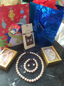 AUTHENTIC FRESHWATER CULTURED PEARL SET
